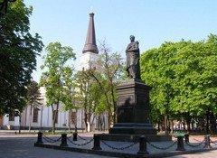 Соборна площа. Пам'ятник Воронцову