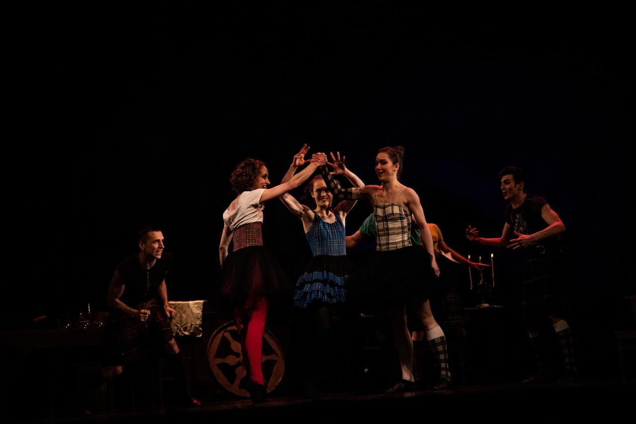 THEATRE Kyiv Modern Ballet. In pivo veritas. Девять побачень-7